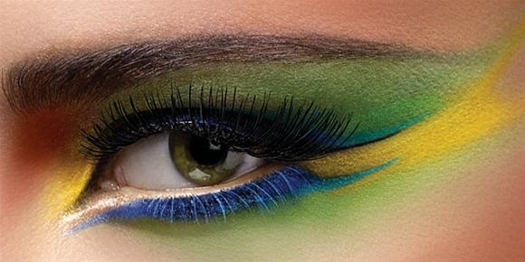 green-yellow-blue-eye